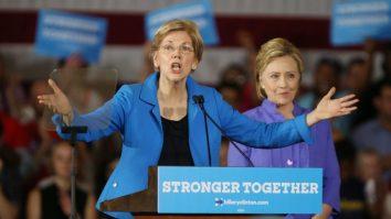 epa05394575 Presumptive Democratic presidential nominee Hillary Clinton (R) listens to Senator Elizabeth Warren, D-Massachusetts, (R) during a campaign stop at the Cincinnati Museum Center in Cincinnati, Ohio USA, 27 June 2016. EPA/Mark Lyons